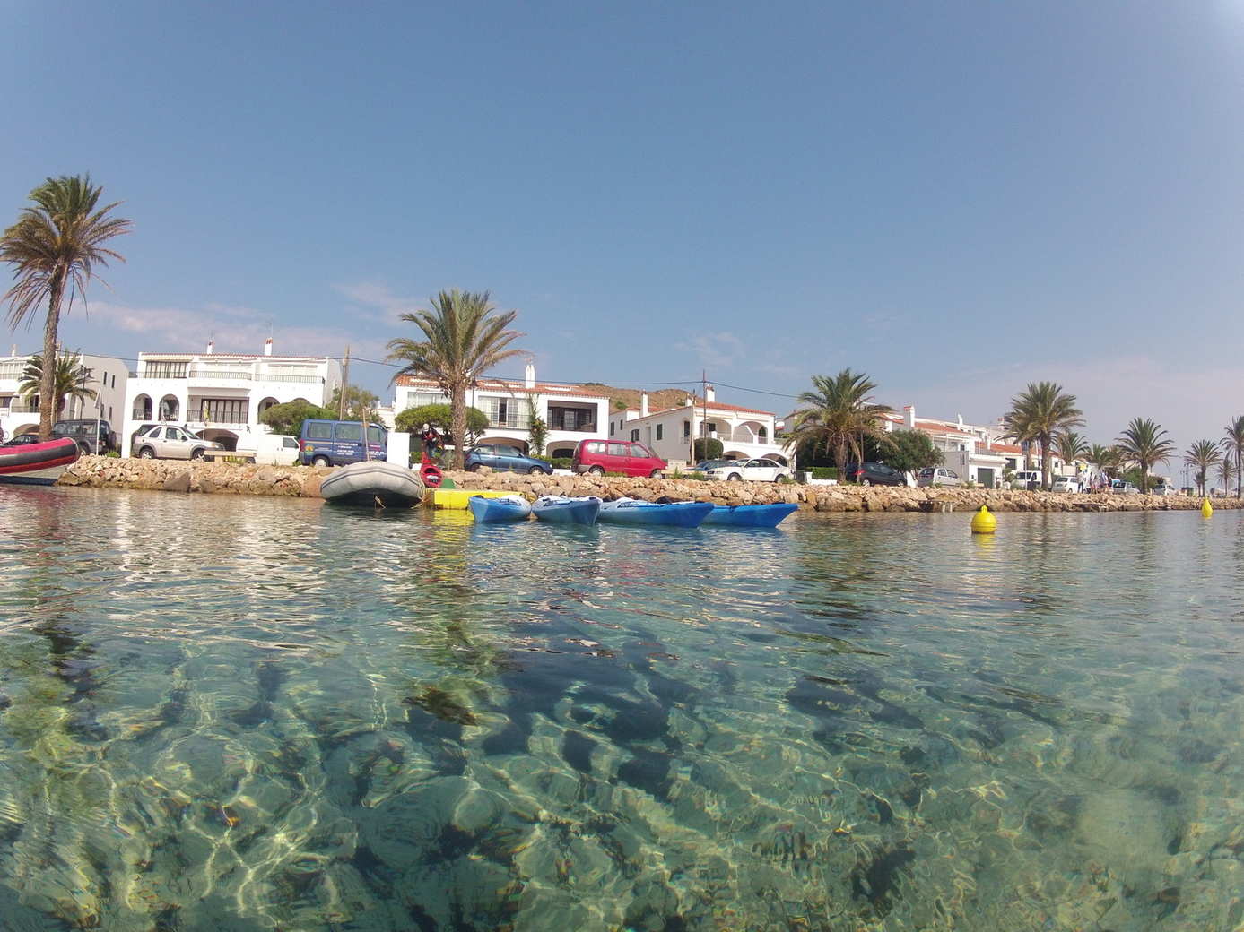Kayak en Bahia Fornells