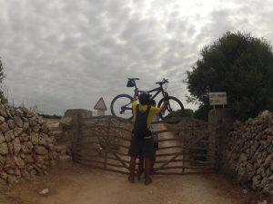 Saltando vallas con la bici