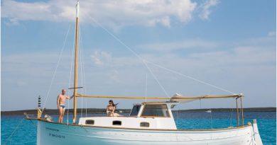 Navega por Menorca en un Llaüt Típico Menorquín – El Adamastor 1967