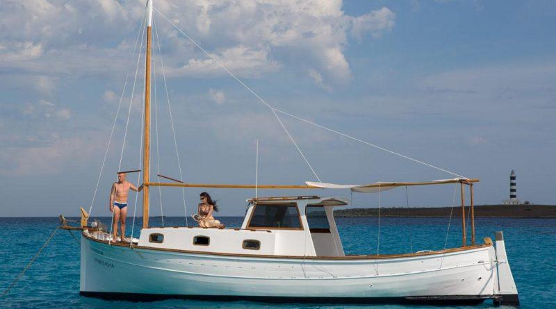 Llaüt Adamastor - Menorca Pareja